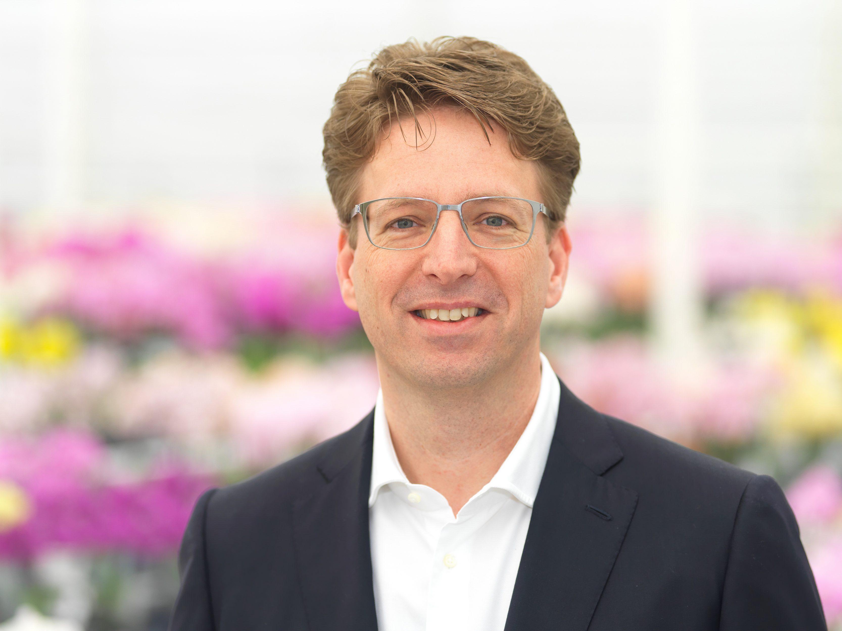 Iwan van der Knaap, Director